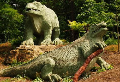 Recently restored Iguanodon sculptures. Wikimedia Commons.
